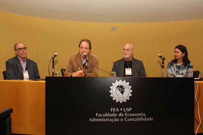 Helio Mattar, prof. Roberto Sbragia, Ricardo Young e prof. Kavita Hamza