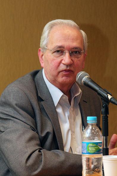Professor Adalberto Fischmann