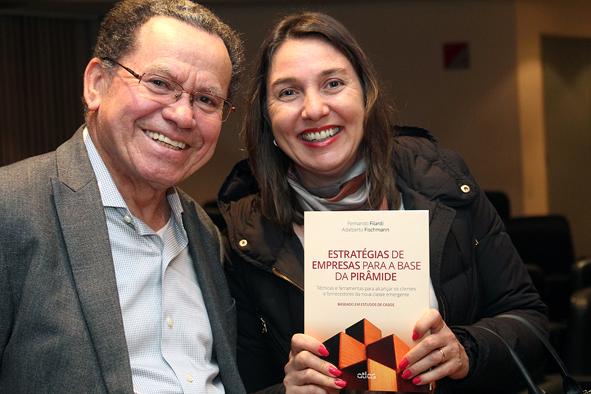 Professores Almir Ferreira de Sousa e Liliam Carrete