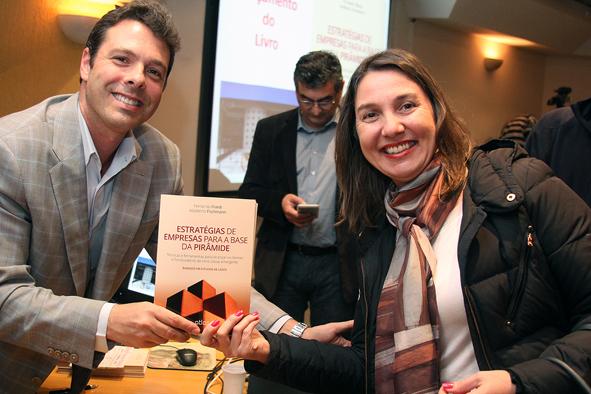 Professores Fernando Filardi e Liliam Carrete
