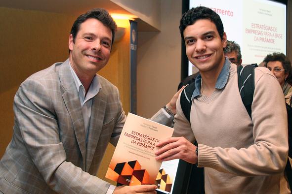 Professor Fernando Filardi com aluno