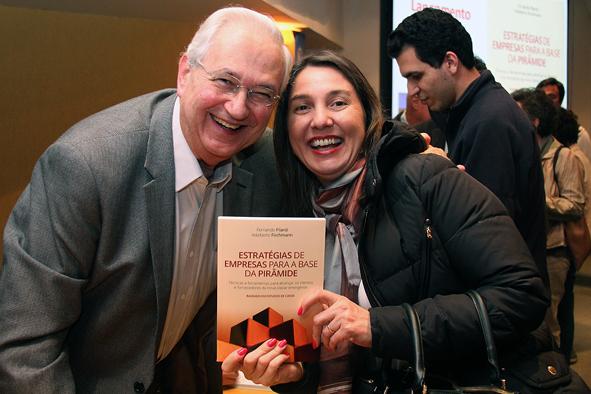 Professores Adalberto Fischmann e Liliam Carrete