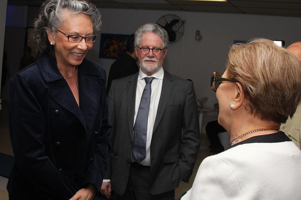 profs.Marilda Sotomayor e Hélio Nogueira com Diva Pinho