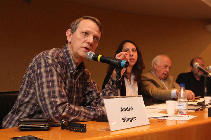 Prof. André Singer, Profa. Laura Carvalho, Prof. Bresser Pereira e Prof. Franklin Serrano