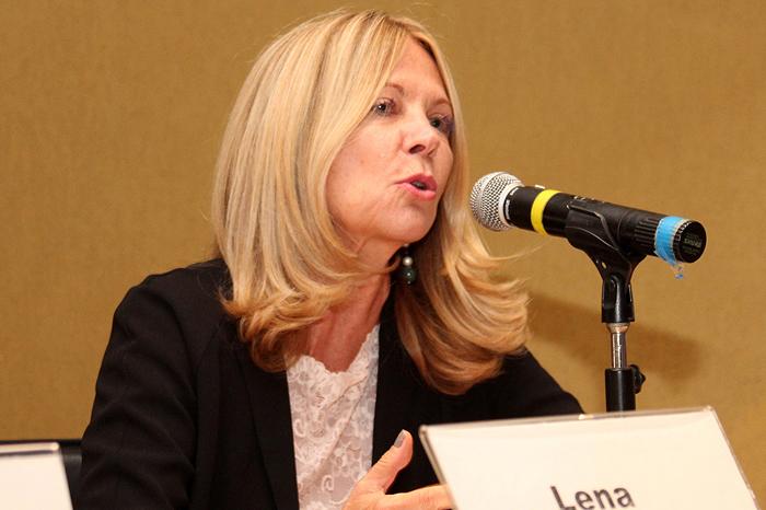 Profa. Lena Lavinas