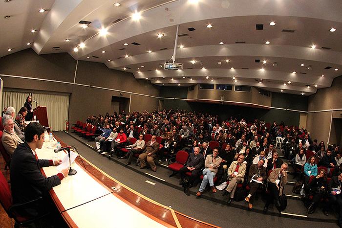FEA recebe público numeroso no Congresso de História Econômica