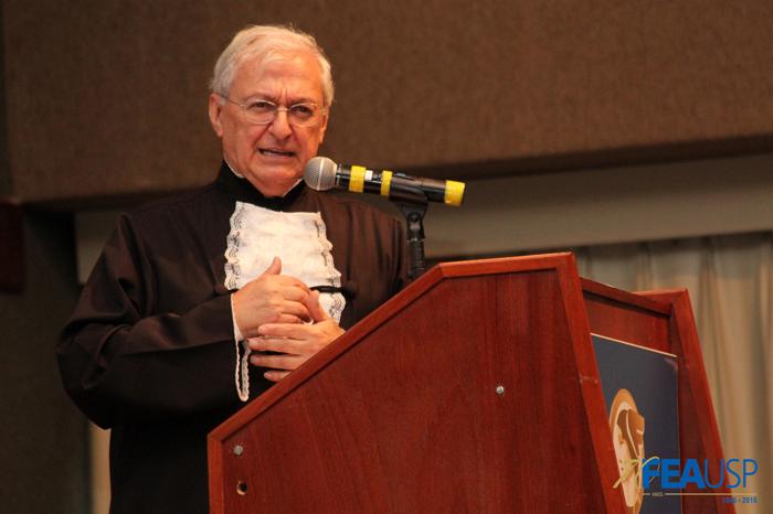 Prof. Carlos Luque