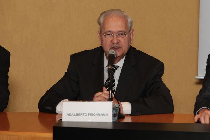 Prof. Dr. Adalberto Fischmann, diretor da FEAUSP