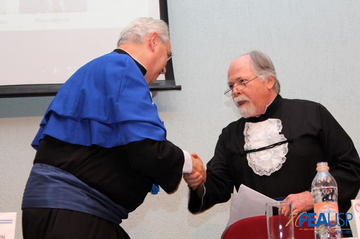 Prof. Jacques Marcovitch que recebeu o título de Professor Emérito