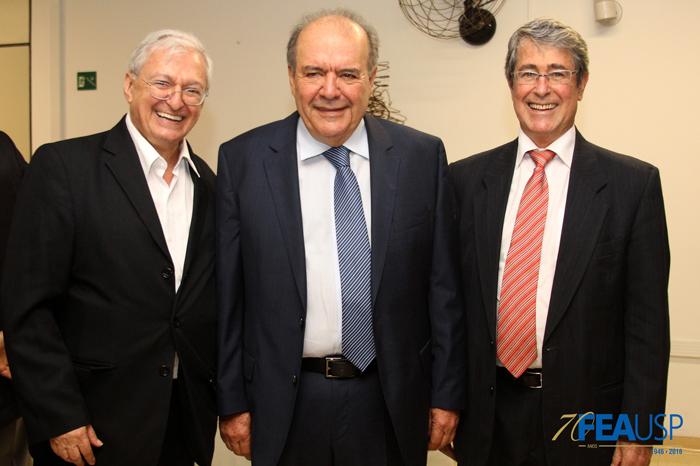 Professores Carlos Luque, Denisard Alves e André Franco Montoro