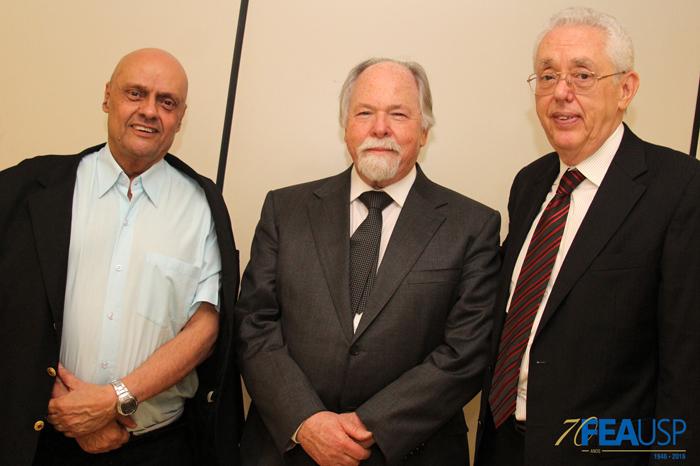 Professores Eduardo Vasconcellos, Jacques Marcovitch e Eliseu Martins