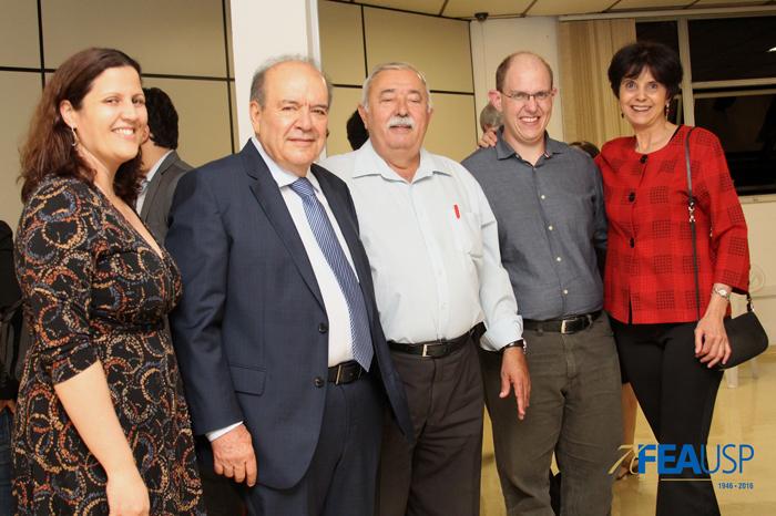 Professores da FEA com o professor Denisard