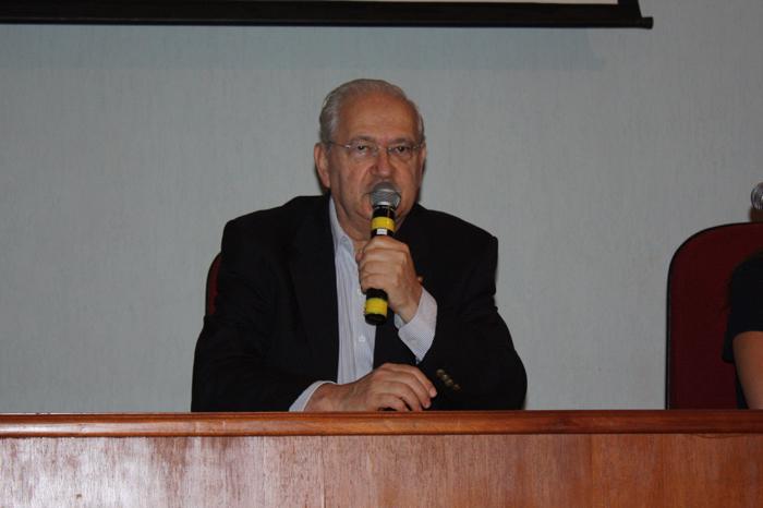 Prof. Adalberto Fischmann - diretor da FEA