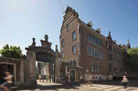 Maastricht University School of Business and Economics