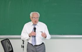 Prof. José Goldemberg (IEE)