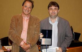 Professor Flávio Hourneaux Junior com professor Roberto Sbragia