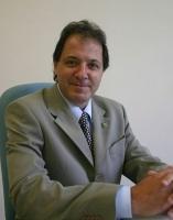 foto Prof. Dr. Roberto Sbragia.