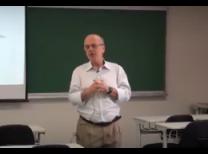 O Jornalista Wilson Marini durante a palestra