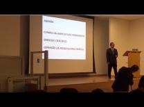 Prof. Dr. Getúlio Kazue Akabane durante sua palestra no Simpósio