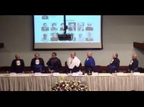 Mesa do auditório do Fea-5 com a presença do Reitor e Vice-Reitor da USP, Diretor da FEA, Professores convidados e homenageados