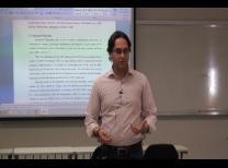 Prof. Dr. Eduardo Flores durante a palestra