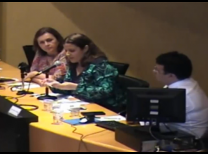 foto da mesa de debate com os três palestrantes sentados lado a lado